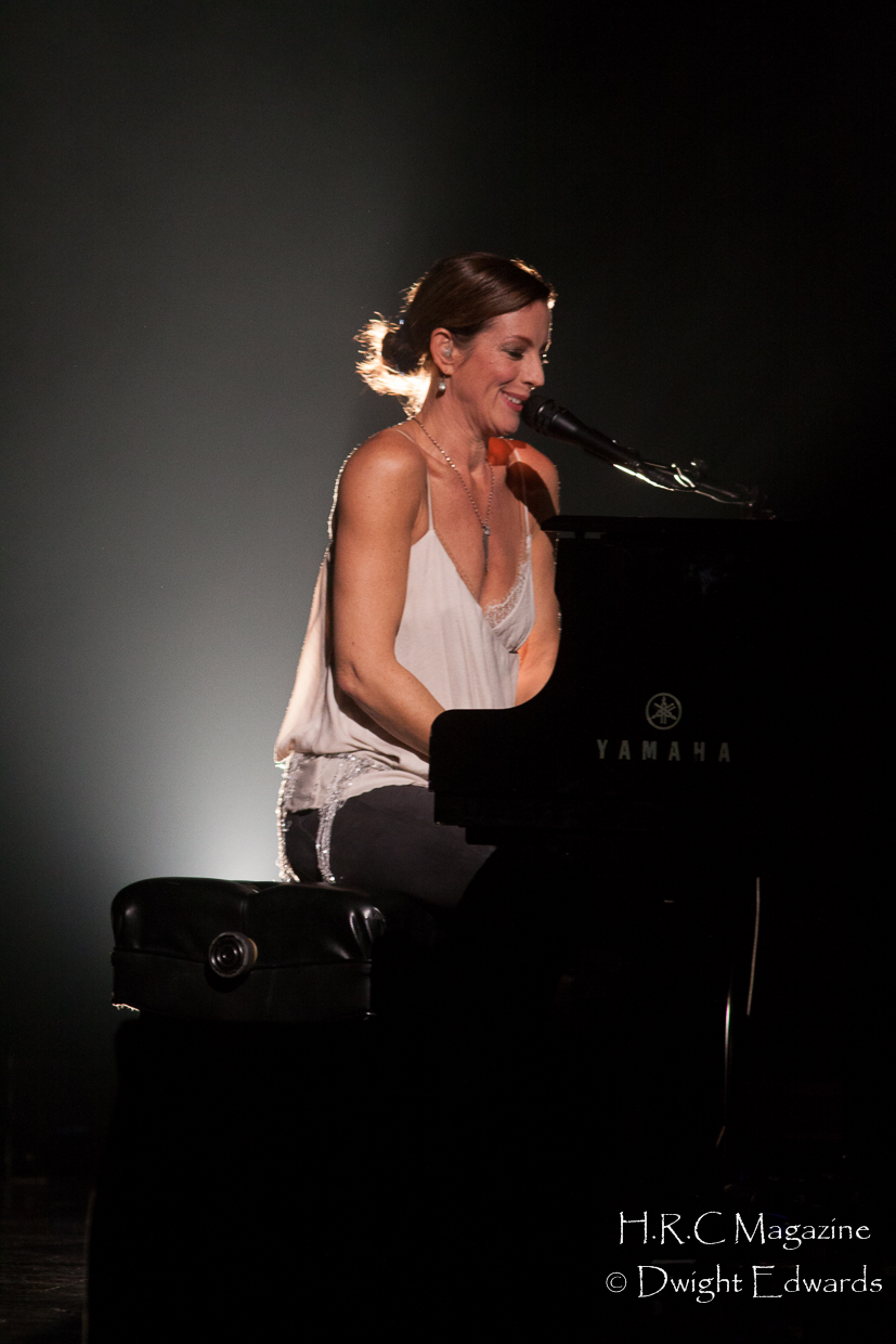 Sarah McLachlan at Fallsview Casino Nov 9,2017 061