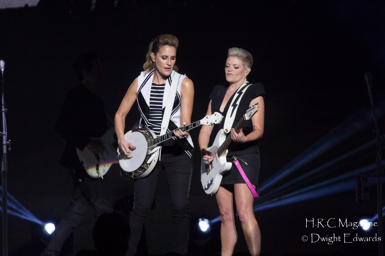 Smooth Hound smith & Dixie Chicks At First Ontario Centre 184