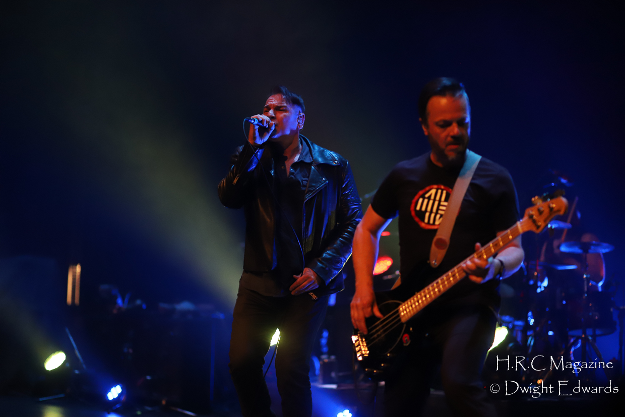 J.J Thompson Finger Eleven I Mother Earth at First Ontairo Conce 679