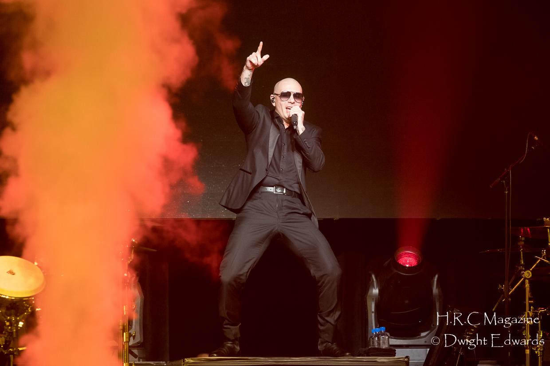 Pitbull at Fallsvew Casino May 22,2018 019