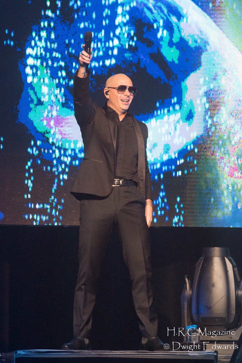 Pitbull at Fallsvew Casino May 22,2018 104