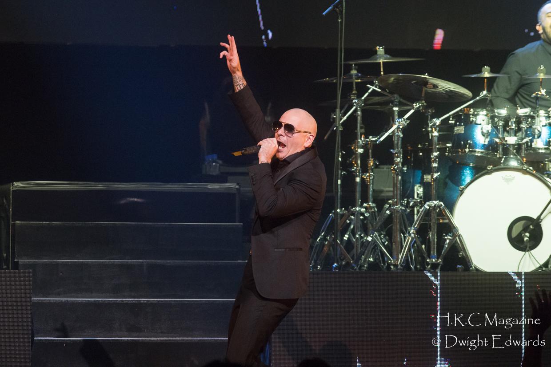 Pitbull at Fallsvew Casino May 22,2018 145