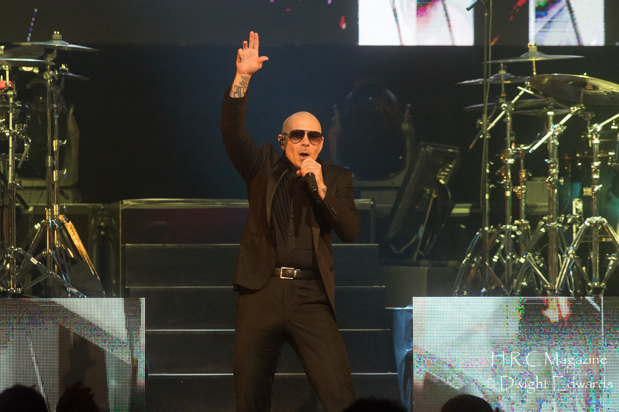 Pitbull at Fallsvew Casino May 22,2018 147