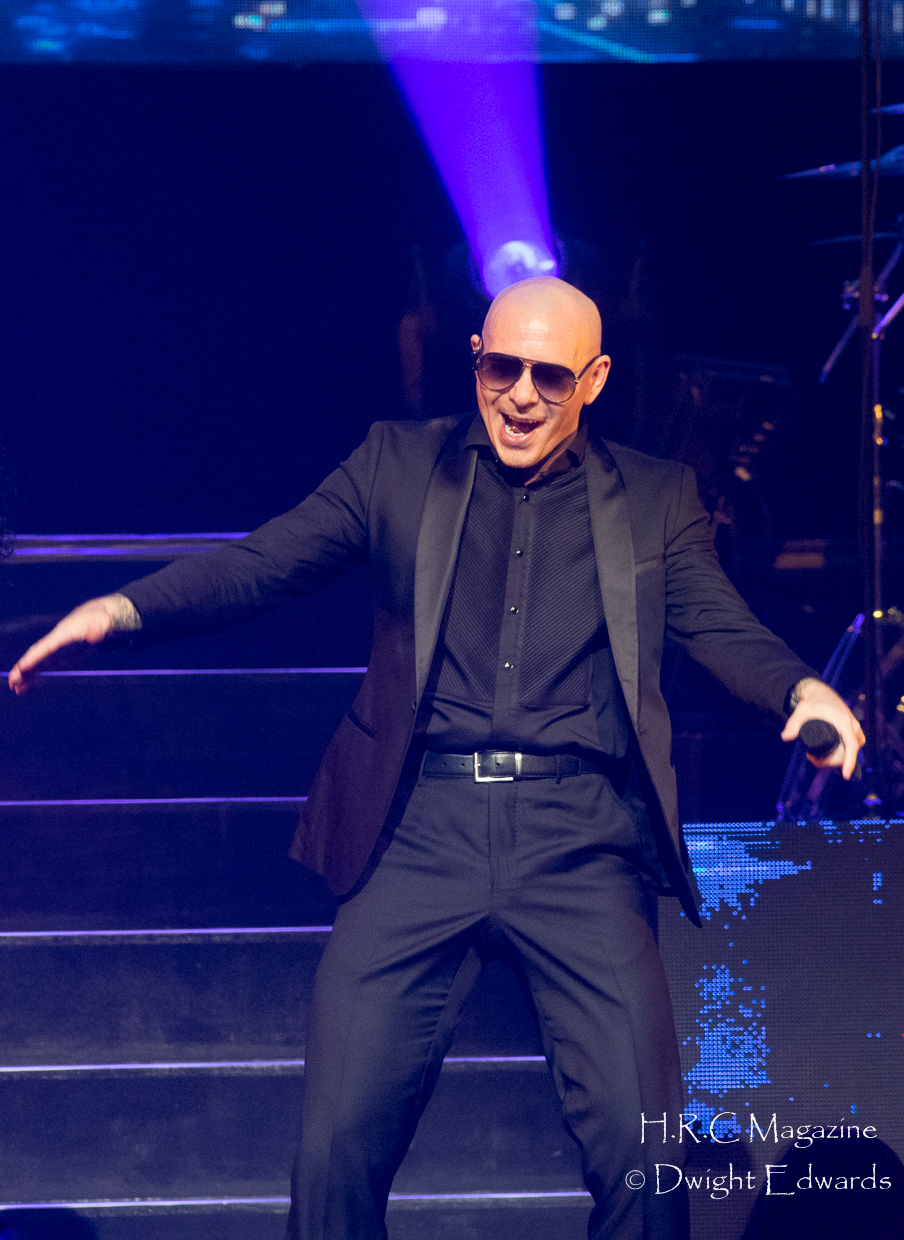Pitbull at Fallsvew Casino May 22,2018 208